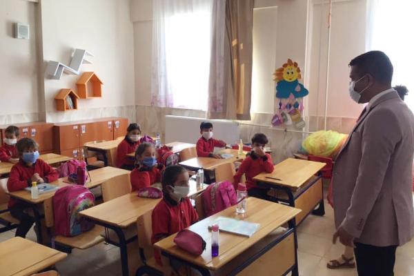 ANTALYA'NIN KORKUTELI ILCESINDE 2795 OGRENCI BUGUN OKULLARINA KAVUSTU.(FOTO:KORKUTELI-DHA)