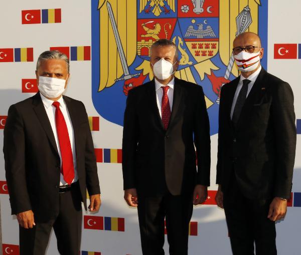 IS INSANI SEMIH BEKEN'IN, ROMANYA ANTALYA FAHRI KONSOLOSU OLARAK GOREVE BASLAMASI VE KONSOLOSLUK OFISININ ACILISI ICIN TOREN DUZENLENDI. (FOTO:ANTALYA-DHA)