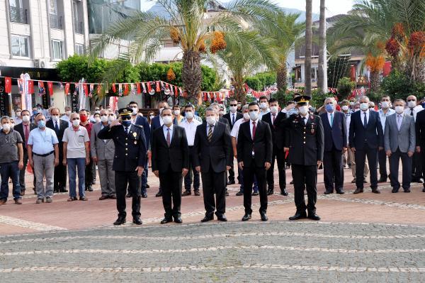 ANTALYA'NIN GAZIPASA ILCESINDE 29 EKIM CUMHURIYET BAYRAMI VE TURKIYE CUMHURIYETI'NIN 97'NCI KURULUS YIL DONUMU KUTLANDI.(FOTO:GAZIPASA-DHA)
