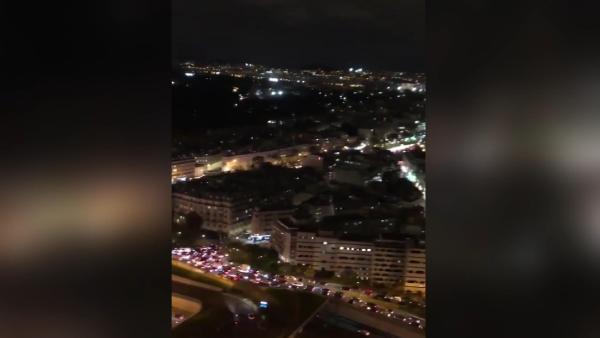 Fransa'da trafikteki OHAL yoğunluğu drone'la görüntülendi (DHA)