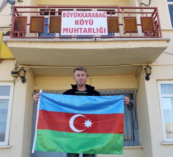 YILLAR ONCE GOC EDEREK AFYONKARAHISAR'IN BOLVADIN ILCESINE YERLESEN KARABAG TURKLERI, AZERBAYCAN'IN SUSA'YI ERMENISTAN ISGALINDEN KURTARMASINI SEVINCLE KARSILADI. (TURGAY KEMIK)  (FOTO:ILYAS KAAN TAYTAK/BOLVADIN-DHA)