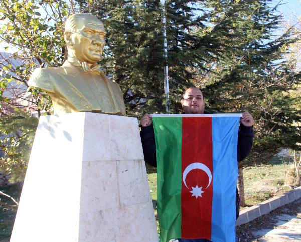 YILLAR ONCE GOC EDEREK AFYONKARAHISAR'IN BOLVADIN ILCESINE YERLESEN KARABAG TURKLERI, AZERBAYCAN'IN SUSA'YI ERMENISTAN ISGALINDEN KURTARMASINI SEVINCLE KARSILADI. (MESUT AYKUS) (FOTO:ILYAS KAAN TAYTAK/BOLVADIN-DHA)