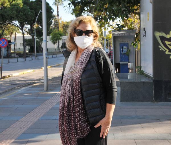 ANTALYA'DA BU AKSAM BASLAYACAK OLAN SOKAGA CIKMA YASAGI YANLIS ANLASILINCA KENTIN EN ISLEK CADDELERINDE YOK DENECEK KADAR INSAN SIRKULASYONU YASANDI. (NUR SADIYE ELMALIOGLU) (FOTO:SULEYMAN EKIN/ANTALYA-DHA)