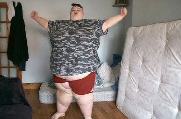 """İskoçya'da """"cinsiyet değiştirmek"""" isteyen kadına """"260 kiloluk"""" engel   (DHA)"""