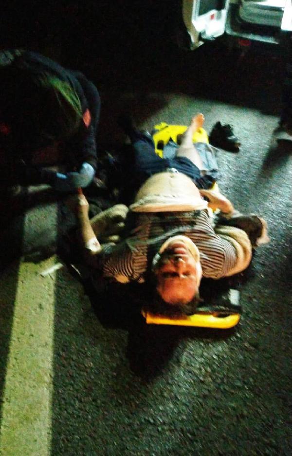 ANTALYA'DA DEVRILEN OTOMOBILIN SURUCUSU OMER BOYNUKARA (36) ILE YANINDA BULUNAN GOZDE ALICAN HAYATINI KAYBEDERKEN, 4 KISI DE YARALANDI.(FOTO:ANTALYA-DHA)