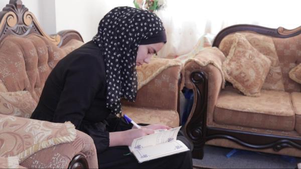 Türkiye sevgisi Gazzeli Morjan'a Türkçeyi öğretti (DHA)