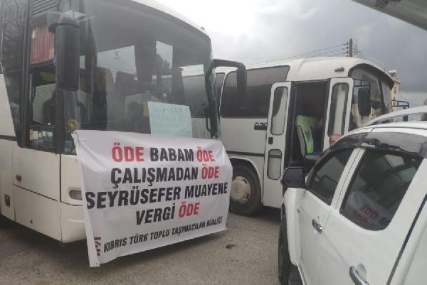 KKTC'de kovid-19 protestosu: Bin 800 araç Başbakanlık'a dayandı (DHA)