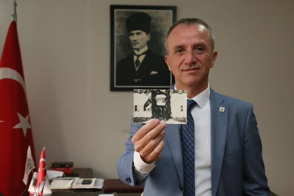 TURKIYE CUMHURIYETI'NIN KURUCUSU MUSTAFA KEMAL ATATURK'UN, ANTALYA'YA ILK GELIS TARIHI OLAN 6 MART 1930'UN YILDONUMUNDE, ATATURK'UN BUGUNE KADAR HIC YAYINLANMAYAN ORIJINAL BIR FOTOGRAFI ORTAYA CIKTI.(FOTO:MEHMET CINAR/ANTALYA-DHA)