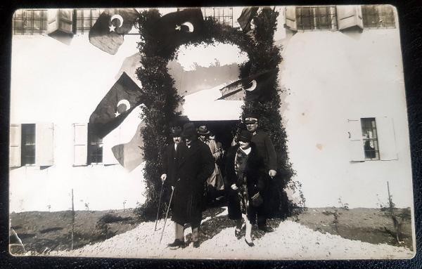 TURKIYE CUMHURIYETI'NIN KURUCUSU MUSTAFA KEMAL ATATURK'UN, ANTALYA'YA ILK GELIS TARIHI OLAN 6 MART 1930'UN YILDONUMUNDE, ATATURK'UN BUGUNE KADAR HIC YAYINLANMAYAN ORIJINAL BIR FOTOGRAFI ORTAYA CIKTI.(FOTO:ANTALYA-DHA)
