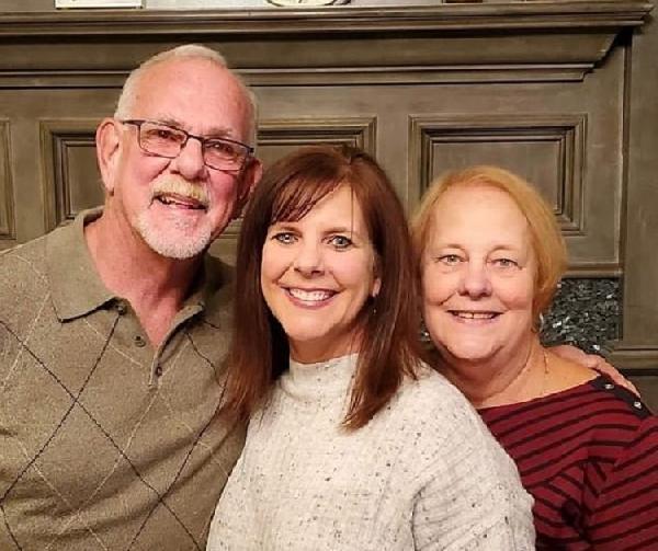 ABD'li liseli aşıklar 52 yıl sonra evlendi (DHA)