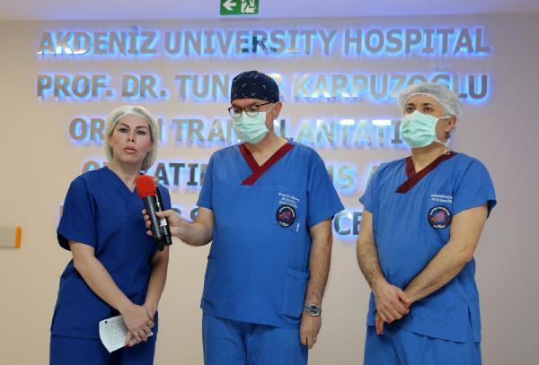AKDENIZ UNIVERSITESI REKTORU PROF.DR. OZLENEN OZKAN, ORGAN NAKILLERINI CESITLENDIRMEK ISTEDIKLERINI SOYLEDI.(FOTO:ANTALYA-DHA)
