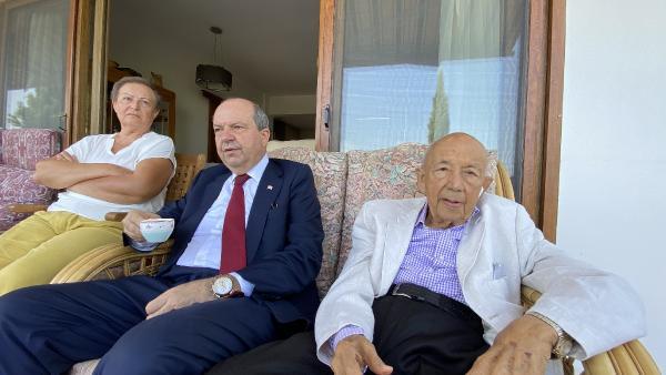 KKTC Cumhurbaşkanı Tatar'ın acı günü: Babası Rüstem Tatar'ı kaybetti (DHA)