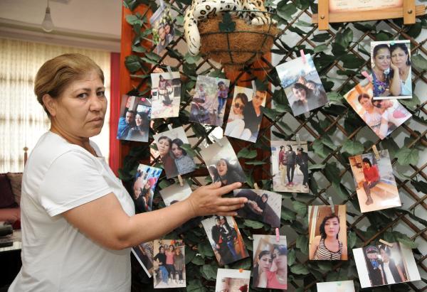 """ANTALYA'DA ORMANLIK ALANDA GULIZAR TURAN'A (23) CINSEL SALDIRIDA BULUNUP, BASINI TASLA EZDIKTEN SONRA BOGAZINI KESIP OLDUREN CENGIZ DOK'A (48) VERILEN AGIRLASTIRILMIS OMUR BOYU HAPIS CEZASI, YARGITAY TARAFINDAN ONANDI. TURAN'IN ANNESI MENEKSE KOCABAS (FOTODAKI), HICBIR CANLI, BOYLE BIR OLUMU HAK ETMIYOR. KESKE OLDURMESEYDI. KOLUNU BACAGINI KIRSAYDI. KOMAYA SOKSAYDI, KAPIMA ATSAYDI. BEN ONU BIBERONLARLA BESLESEYDIM. ONA CAN, NEFES VERSEYDIM. BENIM CIGERIMI YAKTI. INSALLAH ORADAN KURTULMASIN"""" DEDI.(FOTO:SULEYMAN EKIN/ANTALYA-DHA)"""