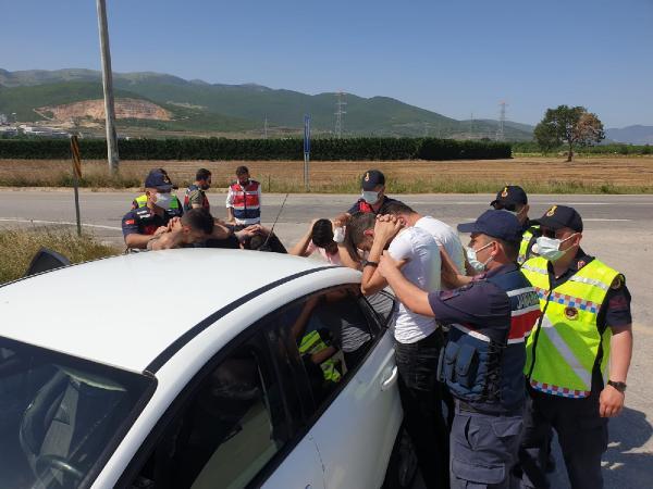 Jandarmadan uyuşturucu operasyonu! 5 kişi tutuklandı 1 – 5aed8e6a82c73df99fe8af38231c5416