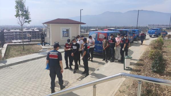 Jandarmadan uyuşturucu operasyonu! 5 kişi tutuklandı 3 – 9dba511e5c79f12d6bd5fe0520979c98
