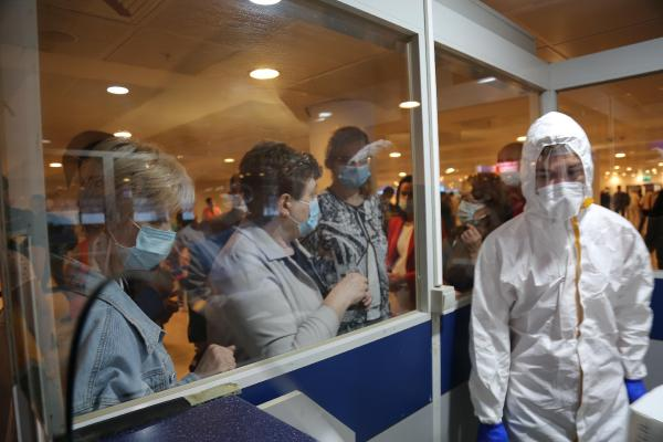 RUSYA FEDERASYONU'NDAN TURKIYE'DEKI TATIL BOLGELERINDEKI SIHHI VE EPIDEMIYOLOJIK DURUMU YERINDE INCELEMEK AMACIYLA GONDERILEN HEYETIN ANTALYA'DAKI TEMASLARI BASLADI.(FOTO:ANTALYA-DHA)