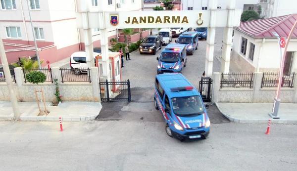 ANTALYA'NIN SERIK ILCESINDE JANDARMANIN DUZENLEDIGI 'TEFECILIK' OPERASYONUNDA 25 KISI GOZALTINA ALINDI.(FOTO:SERIK-DHA)