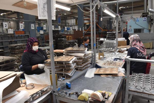 Fabrikanın kaynak tezgahı kadınlara emanet 2 – 1dc9afc7b3d29f0887073b8a1af708a4