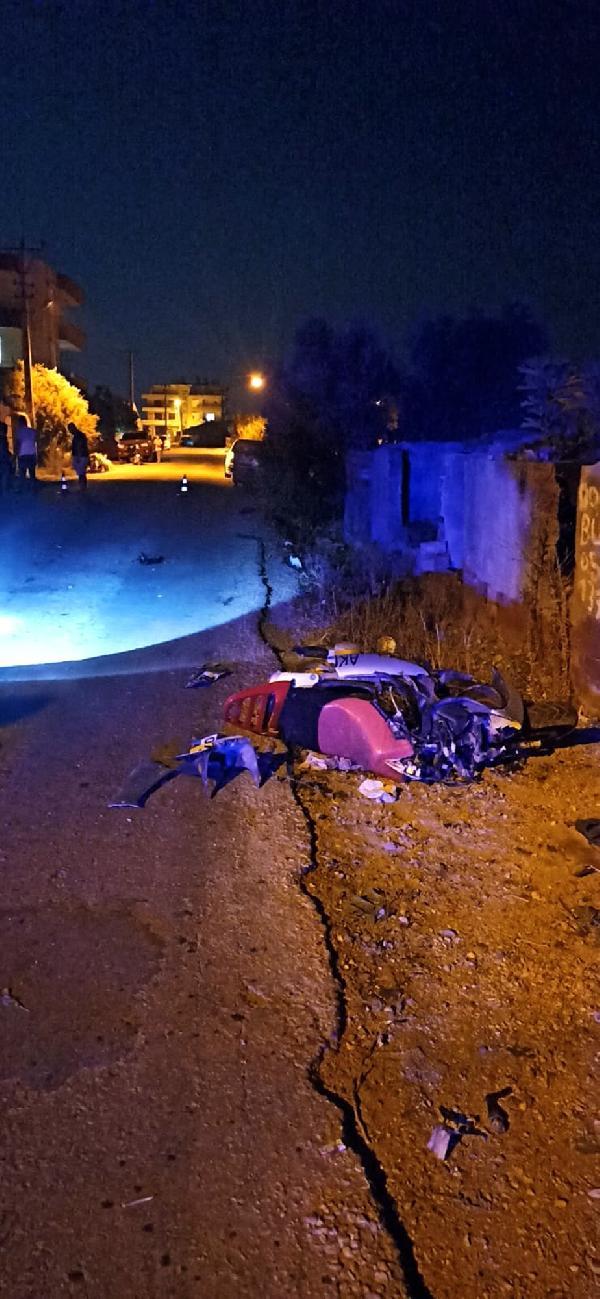 ANTALYA'NIN KUMLUCA ILCESINDE MOTOSIKLETIYLE GIDERKEN, OTOMOBILLE CARPISAN SEMA DONMEZ (21) YASAMINI YITIRDI. (FOTO: KUMLUCA-DHA)