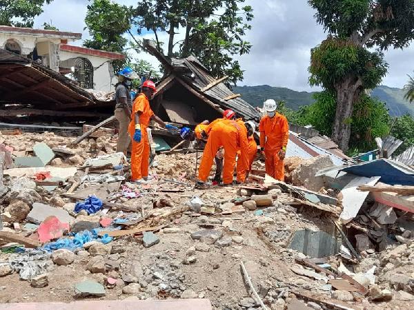 Haiti depreminde ölü sayısı artarken kurtarma çalışmaları devam ediyor (DHA)