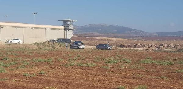 İsrail'de 6 Filistinli mahkum, tünel kazarak hapisten kaçtı (DHA)