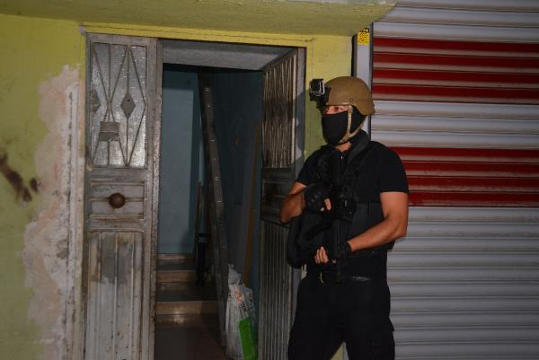 ADANA VE SIIRT'TE PKK/KCK'YA YONELIK OPERASYON DUZENLENDI. FOTO: GOKHAN KESKINCI/ADANA, (DHA)