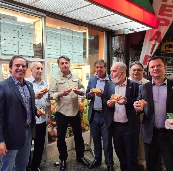 Bolsonaro'ya New York'ta eşlik eden 4'üncü kişi de pozitif çıktı (DHA)
