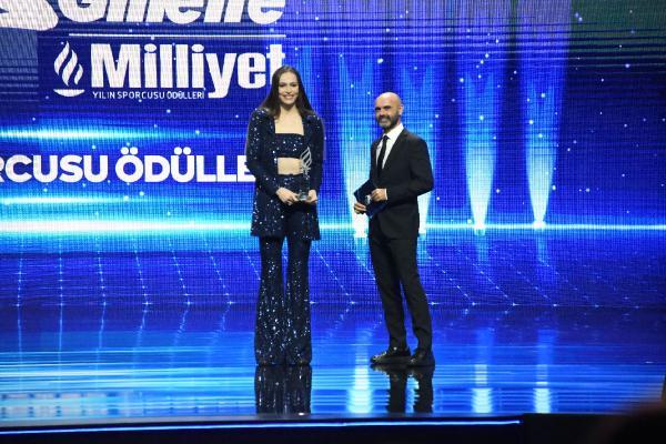 ISTANBUL (DHA) - GILETTE MILLIYET YILIN SPORCUSU ODULLERI'NDE EDA ERDEM'E ODUL