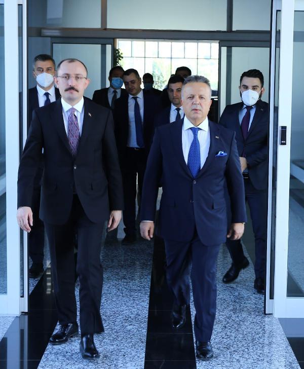 ISTANBUL (DHA) - TIM BASKANI GULLE: 212,2 MILYAR DOLAR ILE YILLIK HEDEFI ASTIK